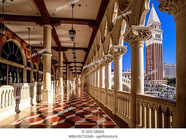 The USA, Nevada, Clark County, Las Vegas, Las Vegas Boulevard, The Strip, The Venetian, Doge's Palace, arcade with Campanile