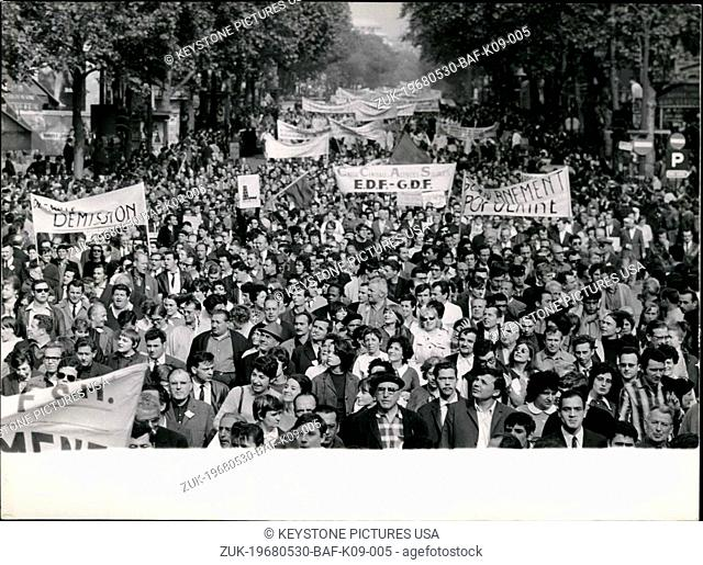 May 30, 1968 - Over 200.000 Workers Demonstrate In Paris: Some 200.000 Cct Workers and supporters marched from the Bastille to Saint Lazare Station in one of...