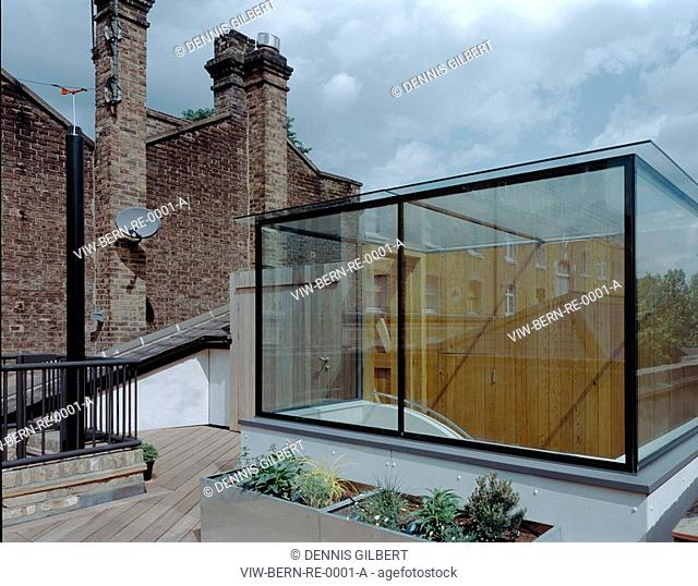 ROOF EXTENSION, LONDON, N1 ISLINGTON, UK, PETER BERNAMONT, EXTERIOR, TERRACE, CONCEALED KITCHEN AND GLASS LANTERN