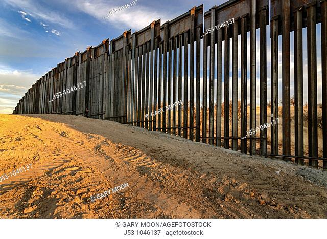 United States border fence, US/Mexico border, east of Nogales, Arizona, USA, from US side