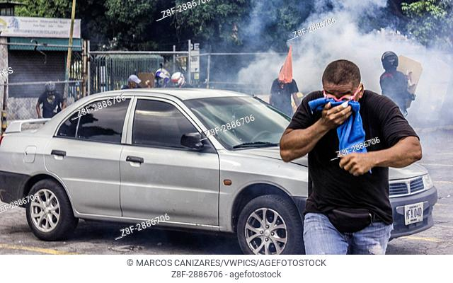 Anti-government protesters clashed with the Bolivarian National Guard during an opposition march in Caracas, Venezuela, on Wednesday, May 10, 2017