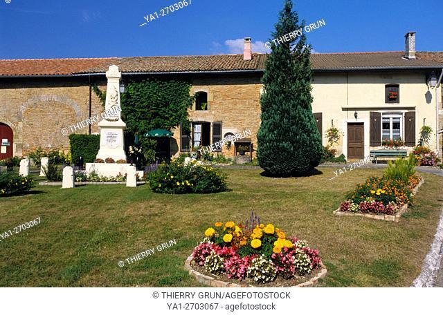 France, Meuse (55), village of Beaulieu en Argonne, floral place