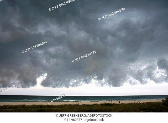 Florida, Miami Beach, Atlantic Ocean, cold front, weather, storm, stormy, gray, clouds, cloudy, menacing, ominous, dark sky