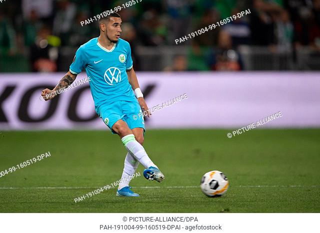 03 October 2019, France (France), Saint-Étienne: Soccer: Europa League, AS St. Étienne - VfL Wolfsburg, Group stage, Group I