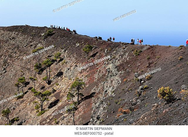 Spain, Canary Islands, La Palma, Tourist on volcano san antonio near fuencaliente