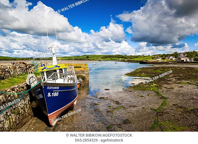 Ireland, County Cork, Ring, fishing boats on Clonakilty Bay