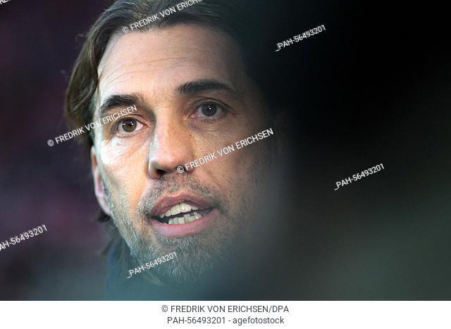 Mainz's head coach Martin Schmidt reacts before the German soccer Bundesliga match between FSV Mainz and Borussia Moenchengladbach at Coface Arena in Mainz