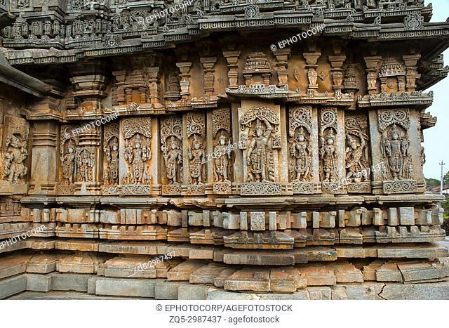Carvings in external wall. Veera Narayana Temple, Belavadi, Chikkamagaluru district, Karnataka, India