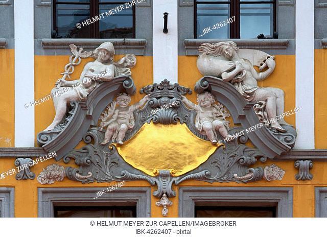 Mercury and Minerva, stucco decoration on house, Untermarkt 13, Görlitz, Oberlausitz, Saxony, Germany