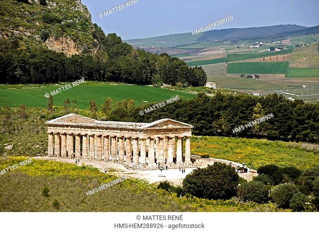 Italy, Sicily, Segesta archeological site, Doric temple built in 430 BC