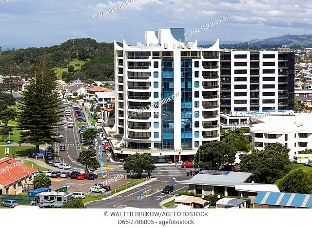 New Zealand, North Island, Mt. Manganui, elevated town view from the Mount
