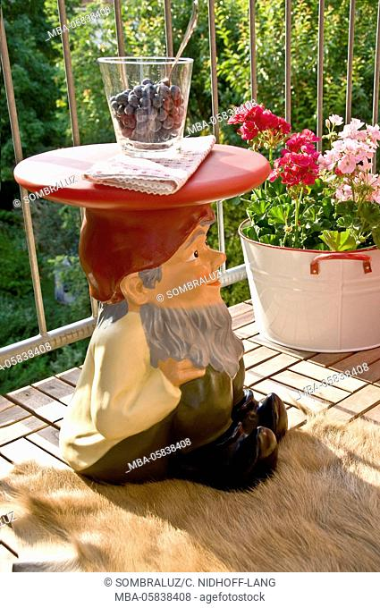 Dwarf's table gnome of Philippe Starck