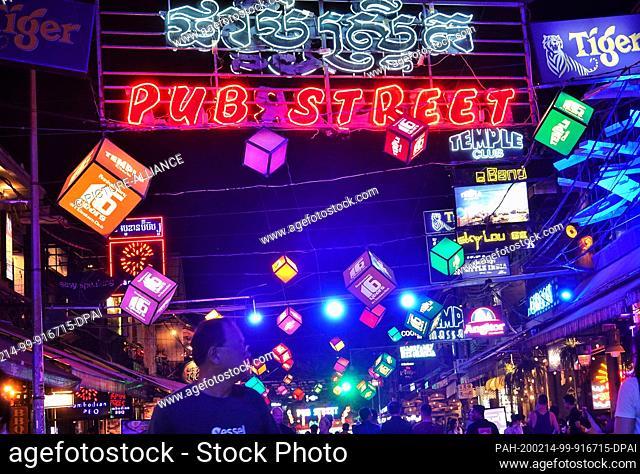 24 October 2019, Cambodia, Siem Reap: Evening in the Pub Street area. Photo: Soeren Stache/dpa-Zentralbild/ZB. - Siem Reap/Angkor/Cambodia