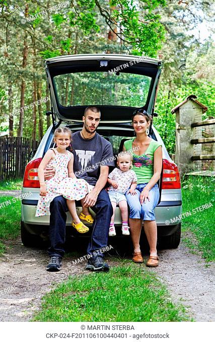 Girls on the family trip CTK Photobank/Martin Sterba, Josef Horazny , MR