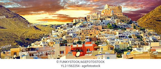 The Venitian City qurter of Ano Syros topped by the Catholic basilica of San Giorgio, Syros  S  , Greek Cyclades Islands