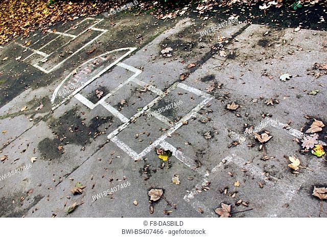 hopscotches on asphalt, Germany