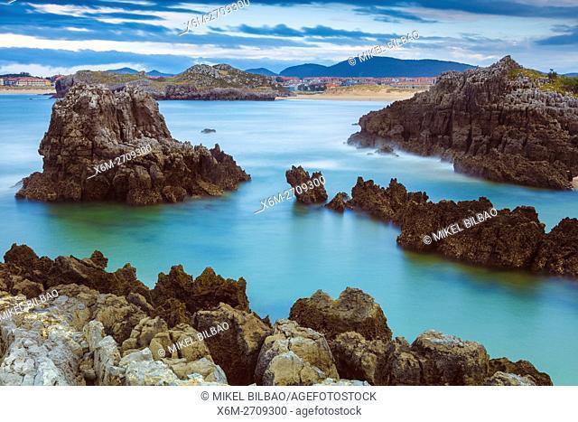 Rocky shore. Noja, Cantabria, Spain, Europe