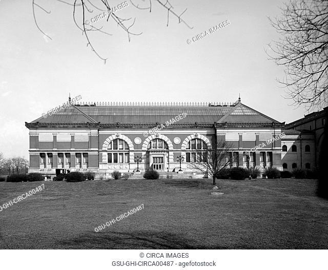Metropolitan Museum of Art, New York City, USA, circa 1910