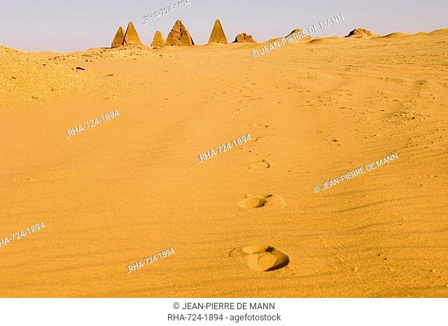 Pyramids to the west of the temple at Jebel Barkal, UNESCO World Heritage Site, near Karima, Sudan, Africa