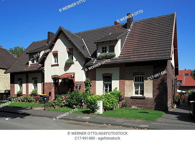 Germany, Duisburg, Rhine, Lower Rhine, Ruhr area, North Rhine-Westphalia, Duisburg-Neumuehl, housing estate Bergmann Square