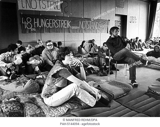Students are on hunger strike to demonstrate against the emergency laws in Marburg on the 19th of May in 1968. - Marburg/Hessen/Germany