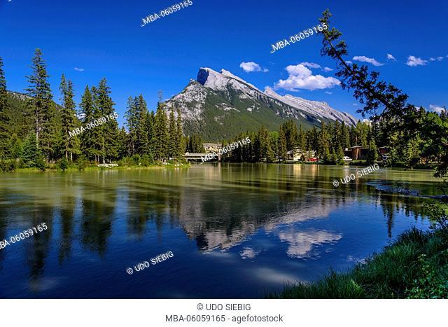 Canada, Alberta, Banff National Park, Banff, Bow River towards Mount Rundle