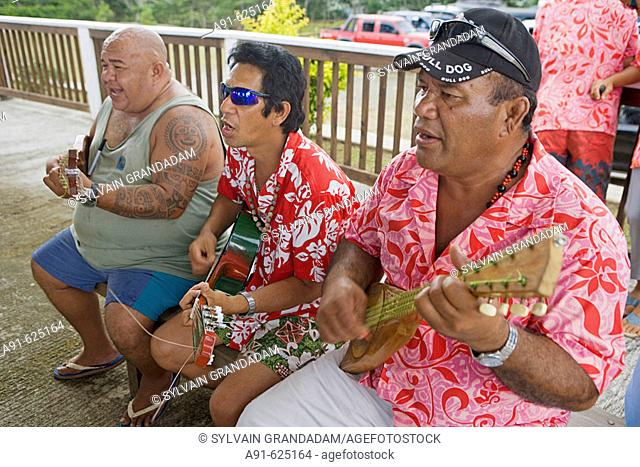 Stopover in Nuku Hiva island, Picnic in the mountain near Taihoae (main village of the North islands) with dances and musicians