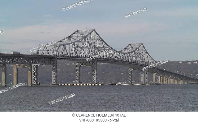 The Tappan Zee Bridge, spanning the Hudson River from Westchester County to Rockland County, New York