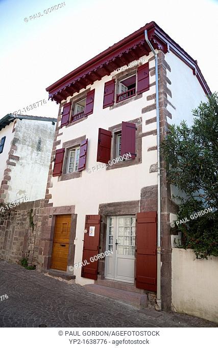 Traditional home along the Rue de la Citadelle - Saint-Jean-Pied-de-Port, Pyrénées-Atlantiques, Aquitaine, France