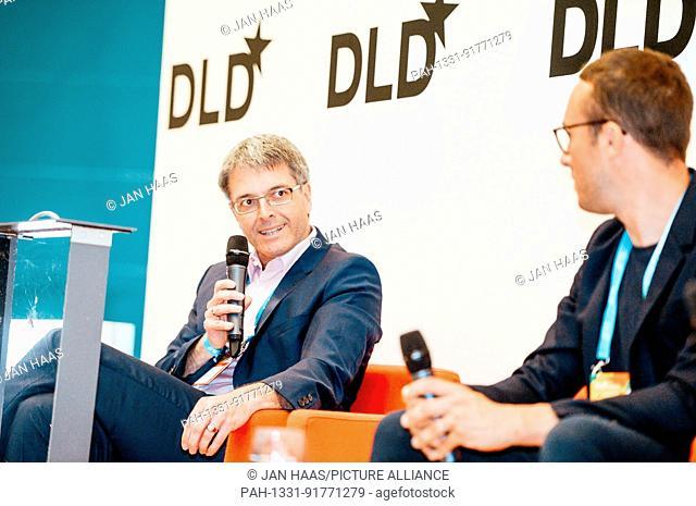 BAYREUTH/GERMANY - JUNE 21: (l-r) Prof. Dr. Thomas Scheibel (University of Bayreuth) and Sam Handy (adidas) talk with Jennifer Schenker (Les Echos/The Innovator