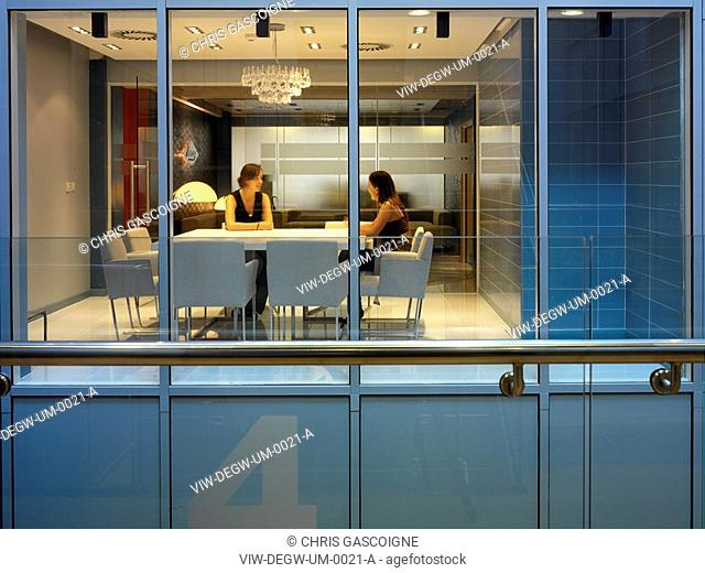 UNIVERSAL MUSIC GROUP, HIGH STREET KENSINGTON, LONDON, W14, UK, DEGW PLC, EXTERIOR, VIEW FROM STAIRS TO OFFICE