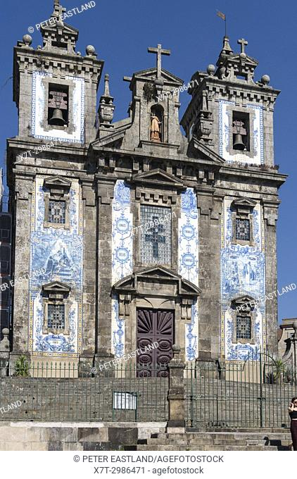 Sao Ildefonso Church, decorated with traditional blue tiles, azulejos, in the centre of Porto, Portugal