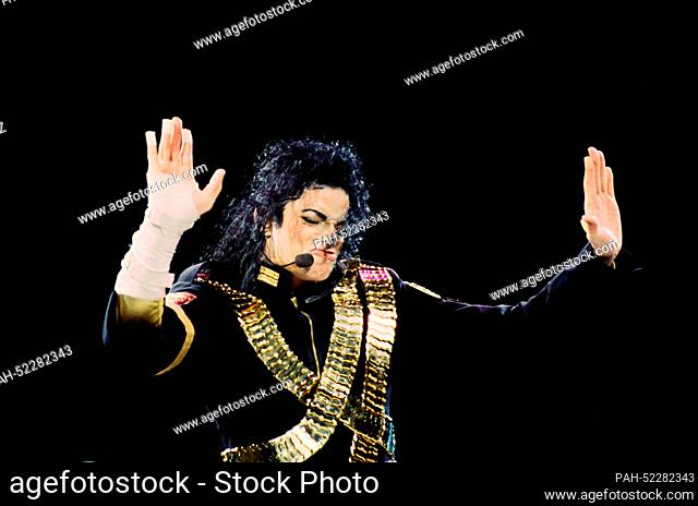 Michael Jackson on stage on 27 August 1993 in Bangkok - Thailand. | usage worldwide. - Bangkok/Thailand