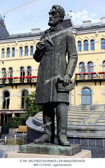 Johan Sverdrup, 1816-1892, first Prime Minister in Norway, memorial, Karl Johans gade, Oslo, Norway, Scandinavia, Europe