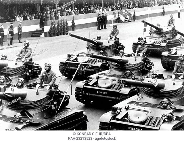 American tanks driving past the VIP stand during a parade on occasion of the 'Armed Forces Day' on 13th May 1972 in Berlin. - Berlin/Berlin/Germany