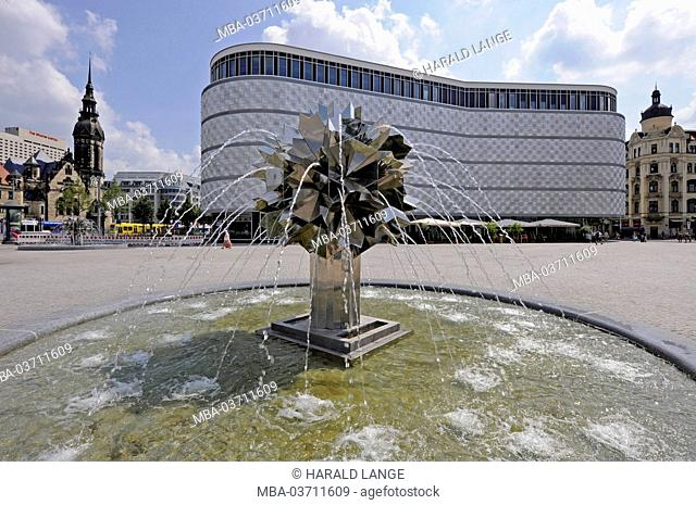 remodelt Richard Wagner Platz (square) in Leipzig with the popular fountain 'Pusteblume' from sculptor Harry Müller, behind it the shopping complex 'Höfe am...