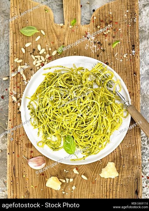espagueti al pesto / spaghetti pesto