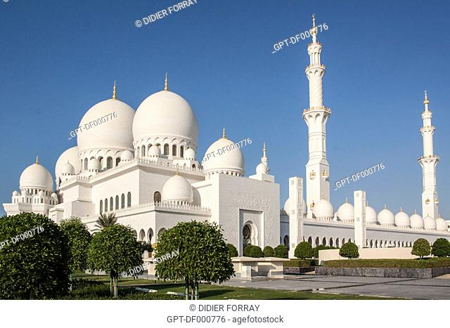 OVERALL VIEW OF THE SHEIKH ZAYED GREAT MOSQUE, ABU DHABI, UNITED ARAB EMIRATES, MIDDLE EAST