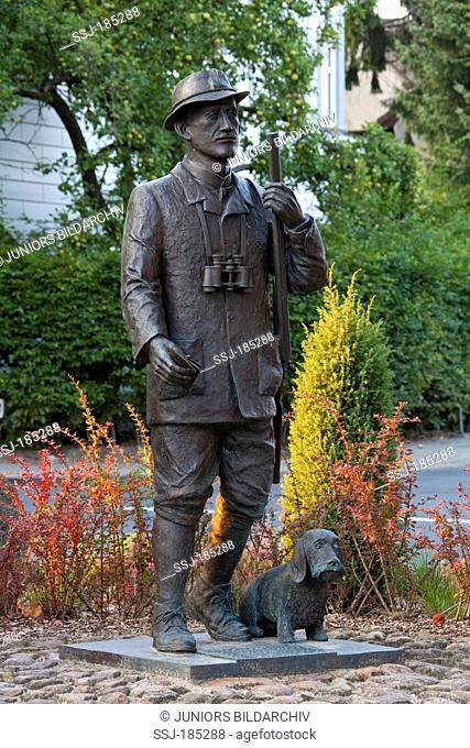 Bronze statue of the German writer Hermann Loens. Walsrode, Lueneburg Heath, Lower Saxony, Germany