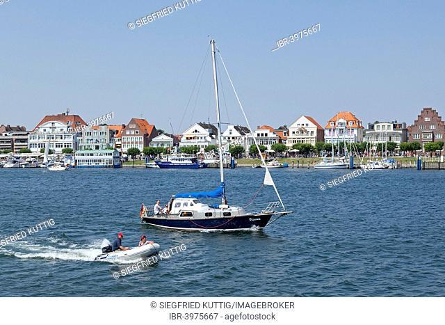 Boat traffic, Travemünde, Schleswig-Holstein, Germany