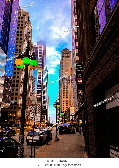 View south from Lake Street on Wacker Drive, Chicago, Illinois