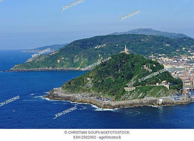 Monte Urgull in La Concha Bay viewed from the Monte Igeldo, San Sebastian, Bay of Biscay, province of Gipuzkoa, Basque Country, Spain, Europe