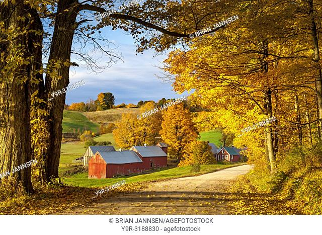 Autumn dawn at the Jenne Farm near South Woodstock, Vermont, USA