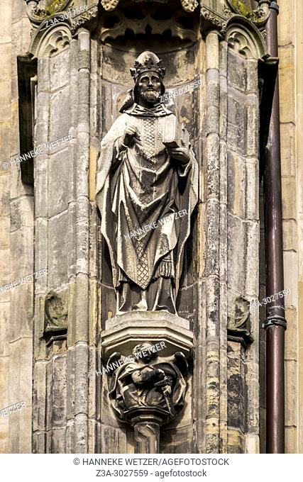 Greogorius the Great statue at the south side of the Cathedral Basilica of St. John the Evangelist, 's-Hertogenbosch, the Netherlands, Europe