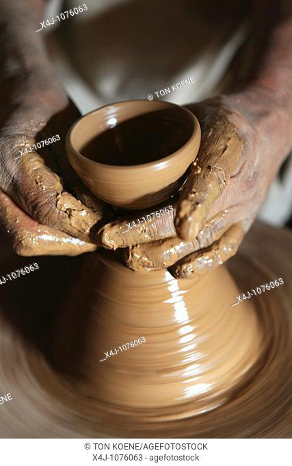pottery in Pakistan
