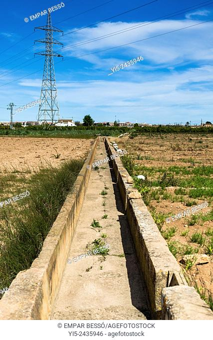 Irrigation ditch. Valencia. Spain