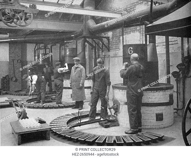 'Making Fryotype Printing Metal in the London Foundry', 1919. Artist: Unknown