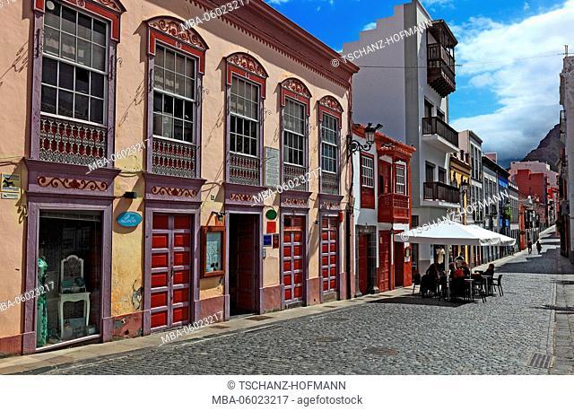 La Palma, Canary Island, street scene in the old town of Santa Cruz de la Palma