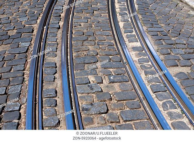 Europa, Westeuropa, EU, Euro, Portugal, Lissabon, Altstadt, Alfama, Tram, Strassenbahn, Zug, Transport, (Urs Flueeler)