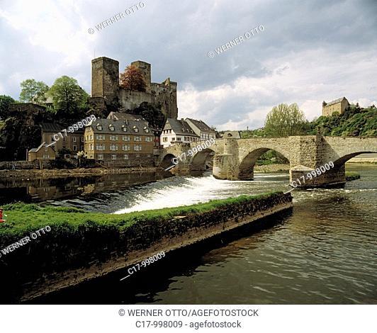 Germany, Runkel, Lahn, Lahn valley, Westerwald, Taunus, nature reserve Hoch-Taunus, Hesse, castle Runkel, castle ruin and castle Schadeck, stone bridge